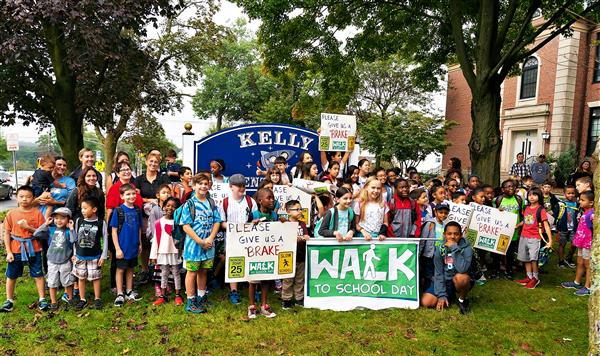 "Kelly Elementary School Joins in Annual International ""Walk to School Day"""