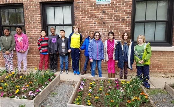 Hazel Students Plant Flowers to Celebrate Earth Day