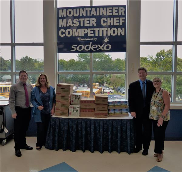 Sodexo and School District Help Out Local Food Pantry