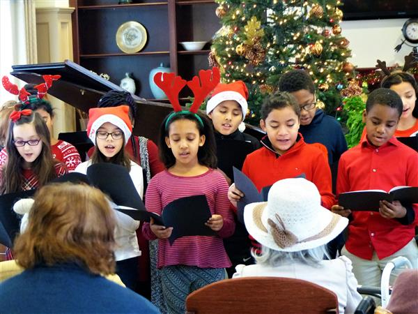 Hazel Elementary Students Bring Cheer to Residents of Canterbury Village