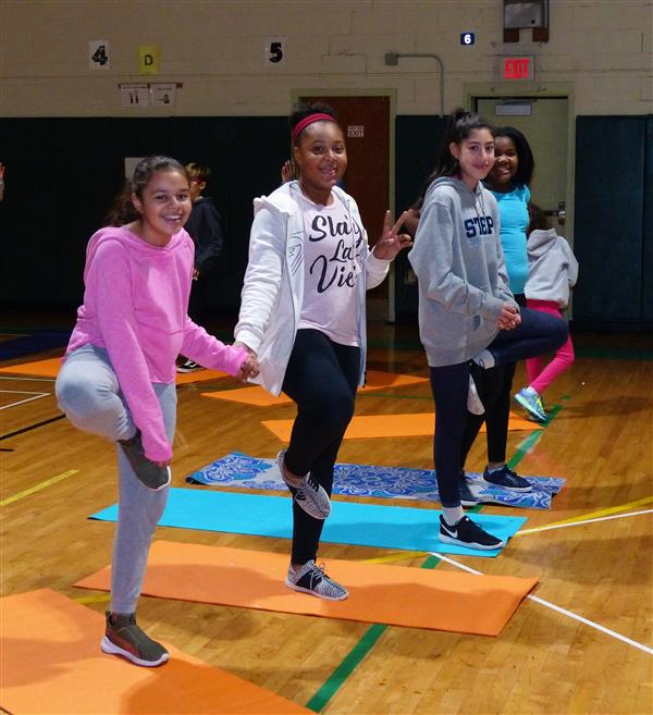 Edison Middle School Students Apply Newton's Laws to Yoga Classes